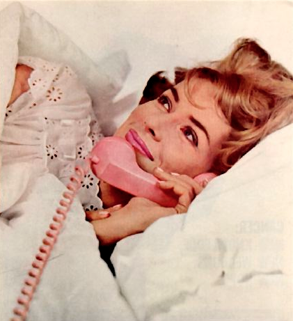 Fantasizing about bygone days and corded electronics that don't make me feel stupid... but glamorous.